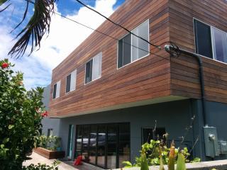 Modern Beach House North Shore Laie Point