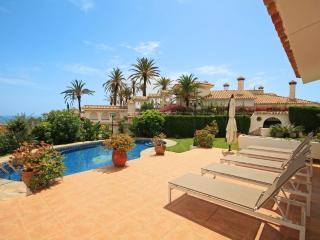 1765 - 3 bed villa with private pool and, sea views Torremuelle