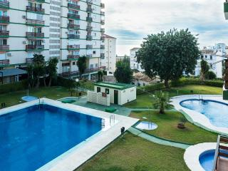 Nice apartment, 200m from beach, 3 swimming pools!, Benalmadena