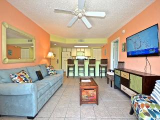 Saint Lucia Suite Gorgeous condo with pool and hot tub access!, Key West