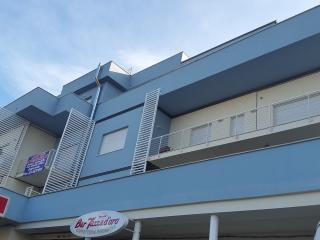 Appartamenti nuovi, veduta mare con posto macchina