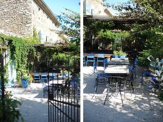 Gites & Restaurant La Fleur Bleue near Mont Ventoux