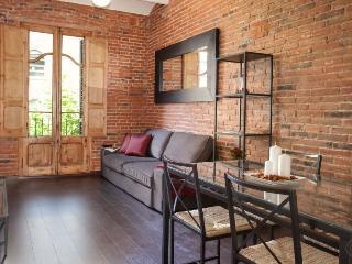 Sagrada Familia 2-2 apartment in Eixample Dreta {…
