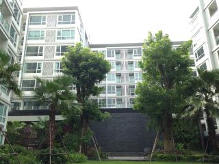 Modern,Brand-new,Cozy 1 BR close to BTS Punnawithi, Bangkok
