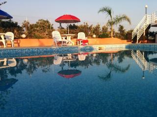 Villa con piscina, 5 posti letto, 2 bagni, Ispica