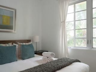 1 BR on Ocean Drive, Best Location, Miami Beach