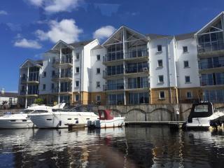 Waterside, Portora Wharf, Enniskillen sleeps 5+cot