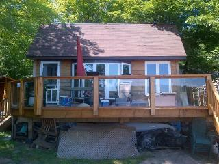 New 1.5 Bdrm Cottage with Sand Beach and Trees, Parry Sound
