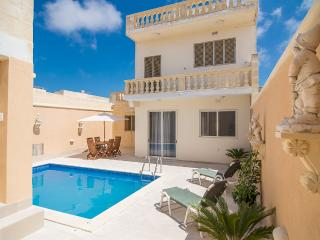 Holiday Home with Private Pool in Island of Gozo, Kercem