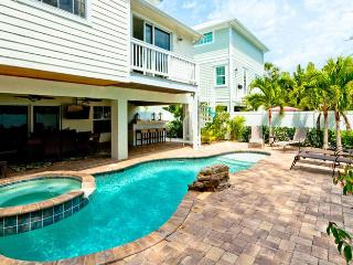 Villa Marianne: 5BR Awesome Pool Home, Anna Maria