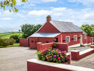 HEN DY PAIR, detached, woodburner, private garden, countryside, near Lampeter