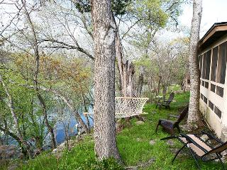 Wimberley Cabin on Cypress Creek