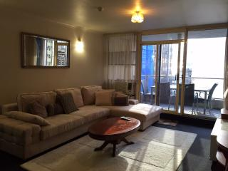 2 bedroom with balcony in city centre, Sídney