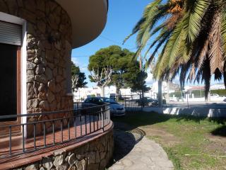 Apartamento centrico, 150m de la playa,con terraza, Empuriabrava