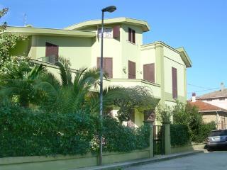 Appartamento con giardino a 30 m dl mare, Roseto Degli Abruzzi