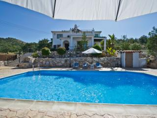 3 Bed Villa - Stunning Sea Views - Private Pool