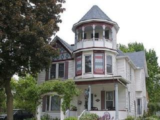Bondy House Bed & Breakfast, Amherstburg