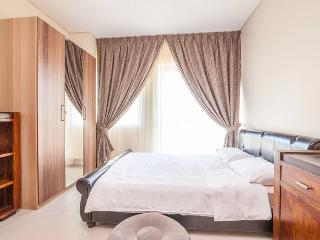 5 min. to the beach. 1 BR in Dubai Marina, Dubái