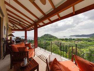 Stunning 3-bedroom, 3 ½-bath villa, Playa Potrero