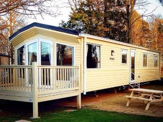 HAGGERSTON CASTLE, 3 bedroom, 8 berth caravan, Berwick upon Tweed