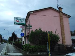 Magic pink house 'la vie en rose' on main road, Col San Martino
