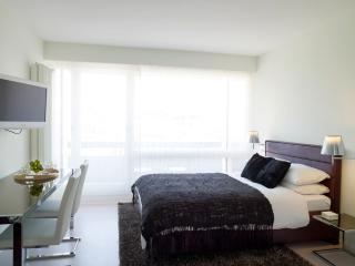 STYLED & SERVICED SENIOR 1 BEDROOM APARTMENT, Lausana