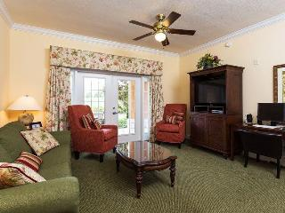 Delightful Family Condo with Golf Course Views, Loughman