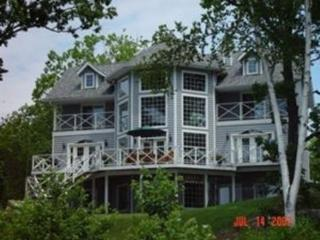 Lakeridge - Gorgeous Cape Cod in South Muskoka, Port Severn