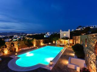 Villa Hurmuses, Sleeps 10, Megali Ammos