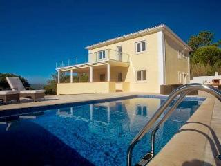 villa with private pool and ocean views, Foz Arelho