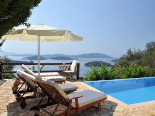 Private Villa, seaviews, Pool - Villa Pasithea, Perigiali