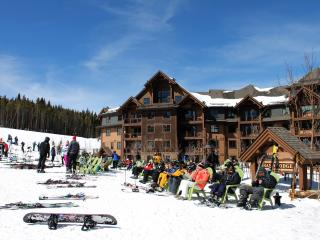 SKI-IN / SKI-OUT PEAK 7 - MLK JAN 17-24, 1-BD MSTR, Breckenridge
