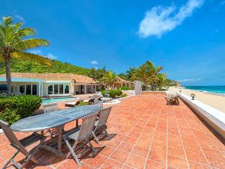 LITTLE JAZZ BIRD... Wow!! Fabulous wedding villa on stunning beach, St. Maarten/St. Martin