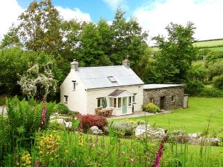 PWLL COTTAGE, pet friendly, character holiday cottage, with a garden in Amroth,