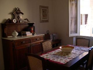 Julia Ponte Vecchio - 013404, Donnini
