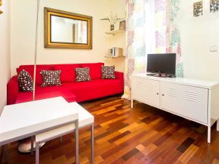 Cozy Budget Apartment in Best Area Chueca-Gran Via, Madrid