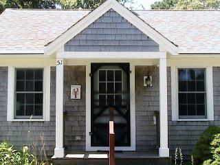 Cape Cod Bayside Vacation Retreat, stroll to beach or village., Brewster