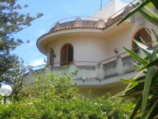 Light and sunny apartment in Villa, beach, near golf course, in nature reserve
