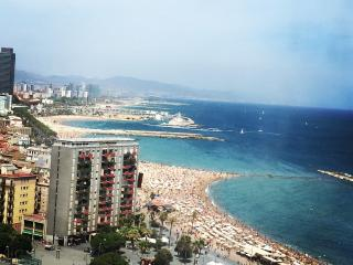 Walking Distance- Barceloneta Beach