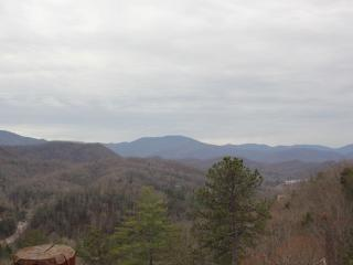 Spectacular Views - 180 Degree  - 5 Master Suites, Gatlinburg