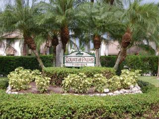 Court of Palms - GREAT SUMMER RATES! Holiday Dates Available!