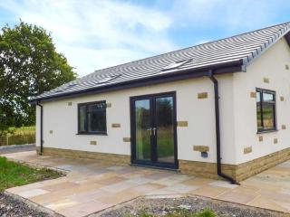 SUNNYSIDE SHREYAS, detached bungalow, en-suites, parking, garden, in Ribchester,