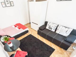 DOWNTOWN -Dario apartment, Budapest
