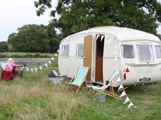 1960's Cheltenham Puku 2 Vintage Caravan, Shaftesbury