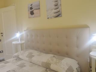 double room with privet bathroom, Cagliari