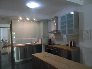 modern appartment 1bedroom+kitchenlounge citycentr, Salónica