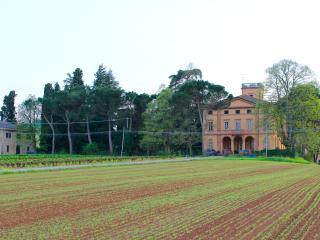 La Riniera, un'affascinante Villa tra le peonie