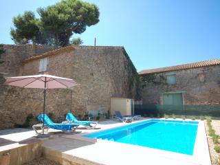 Traditional French Village Large House/Villa/Vigneron Large Heated Private Pool