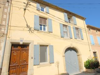 Traditional French Village Large House/Villa/Vigneron Large Heated Private Pool, Ginestas