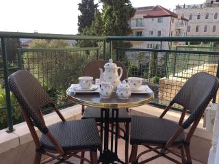 Luxury apartment 2 bed rooms near Mamila,Jaffa gat